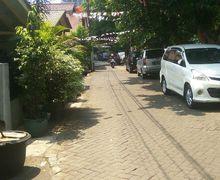 Sering Terganggu dengan Mobil Tetangga yang di Parkir di Depan Rumah? Ini Jalur Hukum yang Bisa Anda Tempuh!