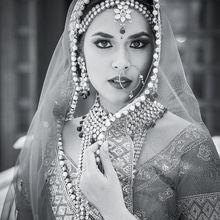 Deepika Padukone VS Raisa, Cantik Memukau Berbalut Saree India