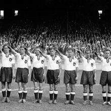 Piala Dunia 1938: Saat Nazi Memaksa Warga Austria Bermain Untuk Jerman