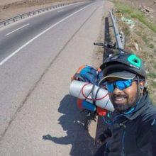 Pria India Ini Rela Bersepeda Ke Rusia demi Menonton Piala Dunia