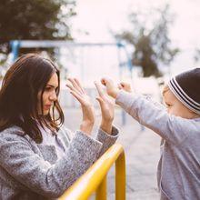 Hati-Hati, Sikap Orangtua yang Seperti Ini Justru Bisa Tumbuhkan Sifat Penakut pada Anak