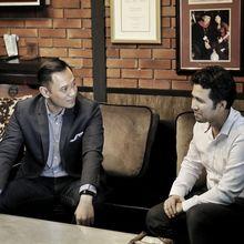 Dinding Penuh Memori di Ruang Kerja Berkonsep Industrial Milik Agus Yudhoyono