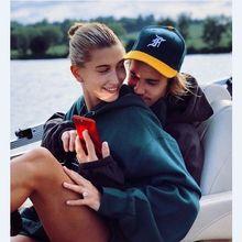 Hailey Akhirnya Unggah Foto Bareng Justin di Instagram Sejak Tunangan!