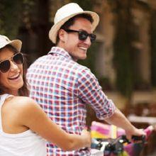 4 Cara Efektif agar Tak Sedih Berpisah dengan Pasangan Selama Liburan