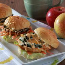 Dijamin, Keluarga Pasti Sarapan dengan Lahap Kalau Ada Burger Telur Keju