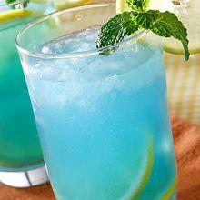 Butuh Minuman Segar Untuk Santai Sore Bersama Keluarga? Sajikan Saja Punch Sari Lemon