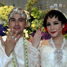Hari Ini Rayakan Anniversary, Yuk Intip Lagi Momen Romantis Pernikahan Raffi-Nagita 4 Tahun Lalu