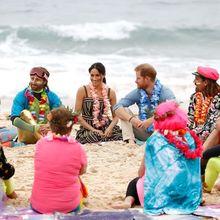 Meghan Markle dan Pangeran Harry Makin Lengket, Yuk Intip Kemesraan Mereka di Pantai!