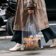 4 Model Tas Transparan yang Sedang Hype di Kalangan Fashionista