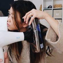 Viral di Instagram! Botol Air Minum Plastik & Hair Dryer Bisa Buat Rambut Bergelombang!