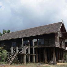 Rumah Betang Bintang Patendu di Desa Tumbang Manggu