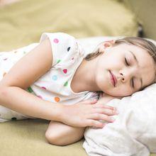 Wow, Tidur Delapan Jam Dapat Meningkatkan Kinerja Akademik Si Kecil!
