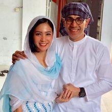 Tak Direstui Orang Tua saat Menikah dengan Konglomerat, Potret Bunga Zainal Makan Bersama Suami Langsung Bikin Pangling