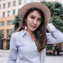 Sempurnakan Gaya Chic dengan Aksesori Boater Hat ala Acha Sinaga