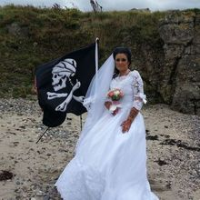 Seorang Wanita Akui Menikah dengan Hantu Bajak Laut, Akhirnya Malah Begini