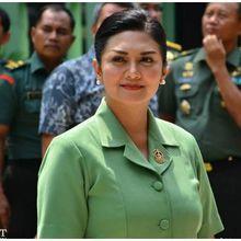 Jadi Istri Petinggi TNI, Bella Saphira Pilih Jasa Sanggul Tetangga Ketimbang MUA Terkenal