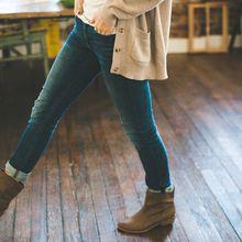 Suka Memakai Celana Jeans Ketat, Waspada 7 Masalah Kesehatan Ini