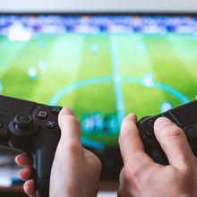 Punya Pacar Gamers? Ini 4 Tips Agar Hubungan dengan Dia Bisa Awet!
