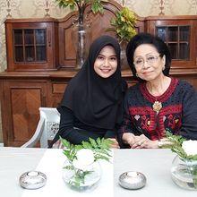 Sambut Hari Ibu, Kisah Haru Martha Tilaar asal Sumbawa Ini Jadi Bukti Cinta Tulus Seorang Ibu