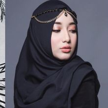 Anti Boring, Intip Padu Padan Hijab Hitam Ala Anak Cindy Fatikasari, Tengku Syaira!
