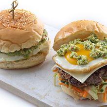Resep Membuat Burger Jalapeno Salted Egg, Burger Nikmat dengan Kearifan Lokal
