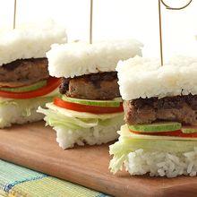 Resep Membuat Burger Nasi Rendang, Sarapan yang Pasti Disuka Si Kecil