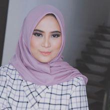 Trik Fashion Hijab Untuk Tubuh Mungil dari Fashion Desainer Restu Anggraini