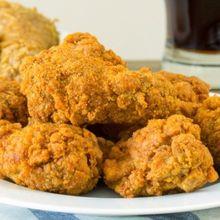 Postingan KFC Tuai Kritik Netizen, Ini Alasan Kenapa Konsumen Resto Cepat Saji Seharusnya Bereskan Meja Makan Mereka Sendiri