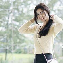 Intip Modisnya 6 Fashion Feminin Ala Tunangan Miqdad Addausy, Nadya Fricella!