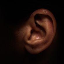 Mendadak Tidak Bisa Mendengar Suara Laki-laki, Wanita Ini Alami Kondisi Langka