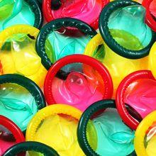 Sering Disepelekan, Begini Tahapan Pakai Kondom yang Tepat!