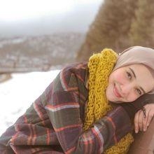 Padu Padan Outer Hijab Kekinian dan Modis ala Zaskia Sungkar