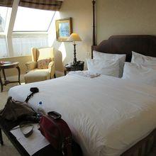 Kenapa Sprai Hotel Selalu Berwarna Putih, ya? Ini Jawabannya