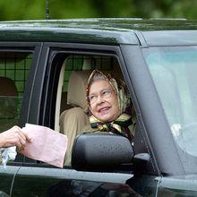 Keistimewaan Ratu Elizabeth, Tak Perlu Lisensi Mengemudi hingga Tak Pasang Plat Nomor