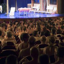 Pertunjukan Teater Tak Lazim di Paris, Mewajibkan Penonton dan Para Pemain Tak Pakai Busana