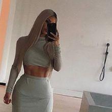 Personal Trainer Ini Bongkar Rahasia Perut Six Packs Kim Kardashian