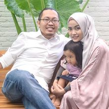 Heboh Cuitan CEO Bukalapak Achmad Zaky, Begini Pesona Sang Istri yang juga Pengusaha Kaya dan Hunian Mewahnya