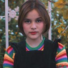 4 Gaya Simpel & Kece Ala Pacar Baru Endy Arfian, Safira Trisjaya dengan Outfit Stripes!