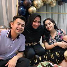 Raffi Ahmad Dikabarkan Sempat Tak Akur dengan Mertua, Begini Kejutan Manis Rieta Amalia Untuk Sang Menantu
