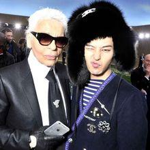 7 Foto ini Buktikan Mendiang Karl Lagerfeld Dekat dengan Industri Kpop