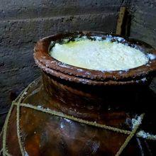 Keju Ambarees, Keju Langka yang Dibuat dalam Pot Tanah Liat
