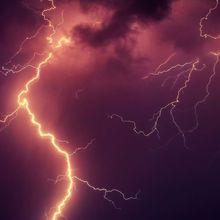 Taal, Gunung Api Terendah yang Hebohkan Dunia karena Petir yang Menyambar-nyambar di Puncaknya Saat Meletus