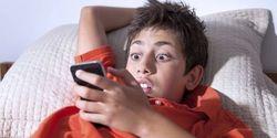 Kurangi Kebiasaan Nonton Porno Di Hape, Banyak Bahayanya Loh