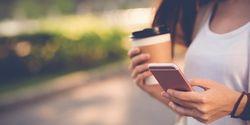 Penasaran Lama Rata-Rata Pemakaian iPhone? Ini Kata Analis Industri