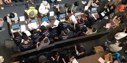 VIDEO Hebohnya Penjualan Perdana Samsung Galaxy S9 di Indonesia