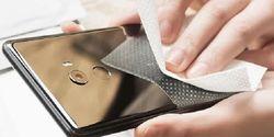 Xiaomi Produksi Tisu Pembersih Layar Hape Seharga Rp 10 Ribuan