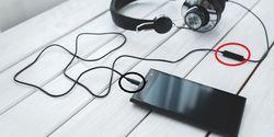 Cara Ambil Foto Gebetan secara Diam-Diam Pakai Headset, 100% Ampuh !