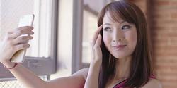 "Cara Kerja Teknologi AI di Kamera Smartphone, ""Semua Wanita Berhak Jadi Cantik"""