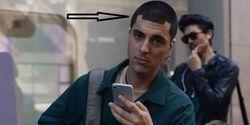 Belum Punya Ponsel Berponi atau Notch Kekinian, Samsung Kena Cibir