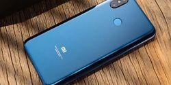 Video Xiaomi Pocophone F1 Disiksa dengan Pisau, Air dan Dibakar